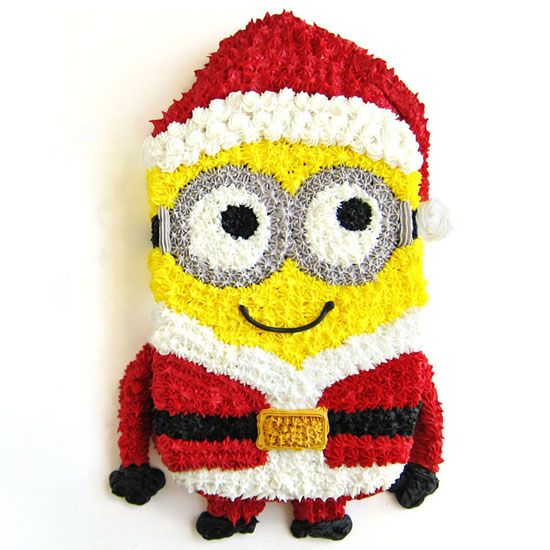 Make an adorable Minion Santa Cake for your big holiday party this year! This adorable treat is so much fun to make and soooo cute! https://yumgoggle.com/minion-santa-cake/ Hungry Happenings