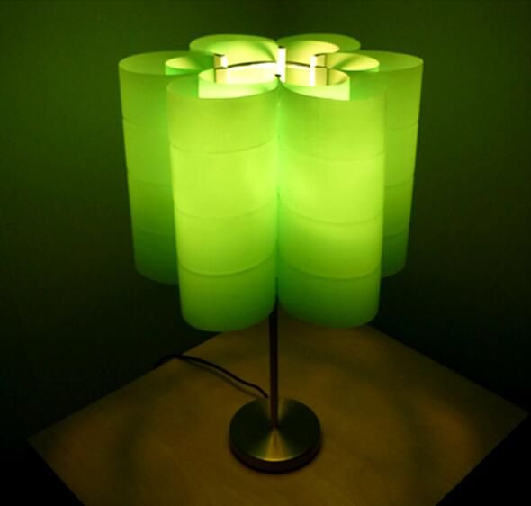 This table lamp is made by recycled plastic bottles. Do it yourself... #DIY