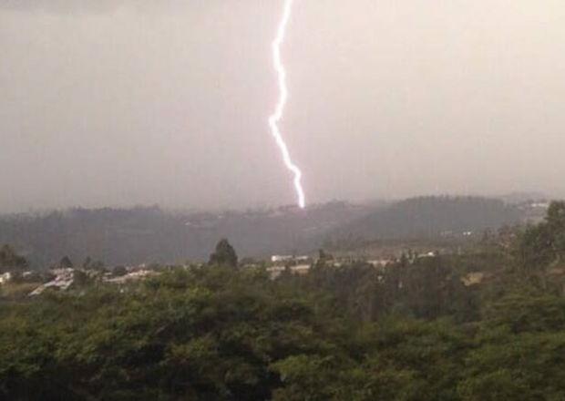 Tormenta eléctrica, Quito 2013