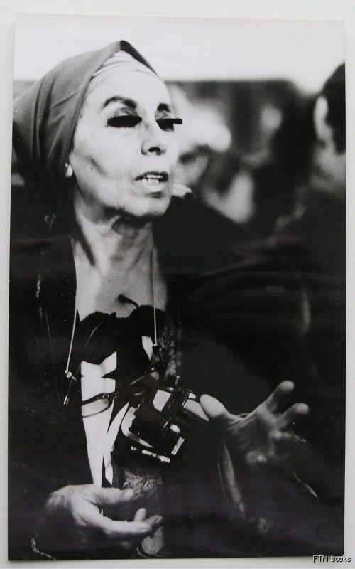 Suzy Embo , Paris # LOUISE NEVELSON# 1969, mint