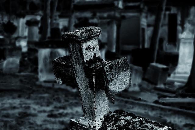 Pére Lachaise by ragazzoFastidioso, via Flickr