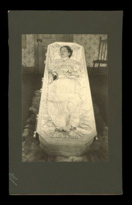 accidental mysteries: Exceptional Post-Mortem Photographs