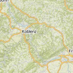 Nordwestlich von Frankfurt am Main findest Du mit den Gebirgskämmen und Tälern des Taunus beste Voraussetzungen zum Wandern: Lass Dich von majestätischen Berghängen und grün bewachsenen Gipfeln faszinieren. Vielerorts verlocken beim Wandern im Taunus Klettersteige und Steilwände zu einem kleinen Stopp zum Klettern. Z.B. ist das Jammertal im Herzen des Taunus ideal für Wanderungen. Hier sind die saftig-grünen Auen und Wiesenlandschaften wahre Augenweiden. Wenn Du den Blick nach oben richtest…