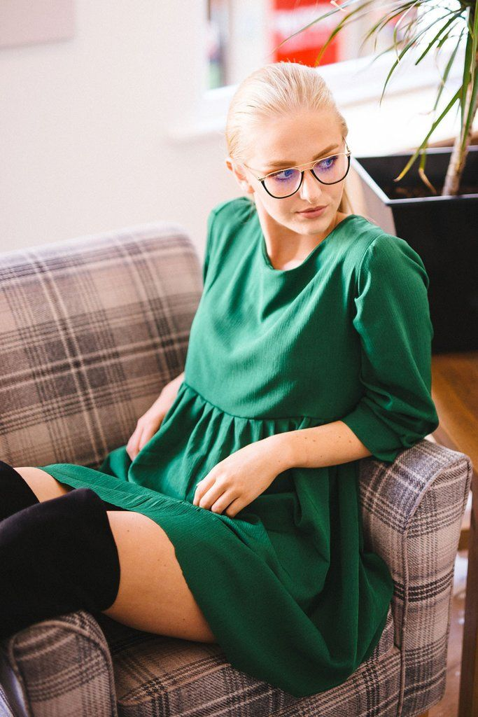 LUXE PLISSE SMOCK - GREEN. Handmade in London.  woman fashion fancy handmade dress. Outfit inspiration. slow fashion. Green smock dress, handmade in london