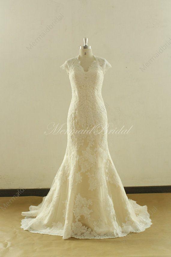 Fit und Streulicht Ärmel Champagner Futter Spitze Hochzeitskleid mit Schlüsselloch zurück