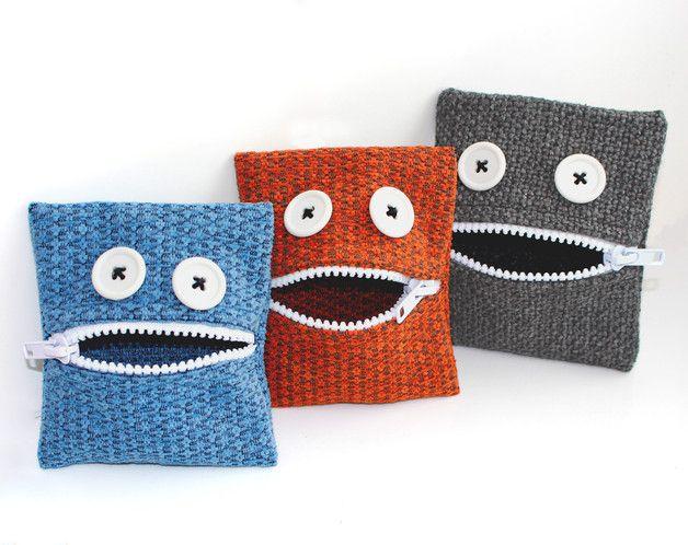Kinder-Portemonnaies als kleine Monster / wallet for children made by Dornroeschen-alteStoffewachgekuesst via DaWanda.com