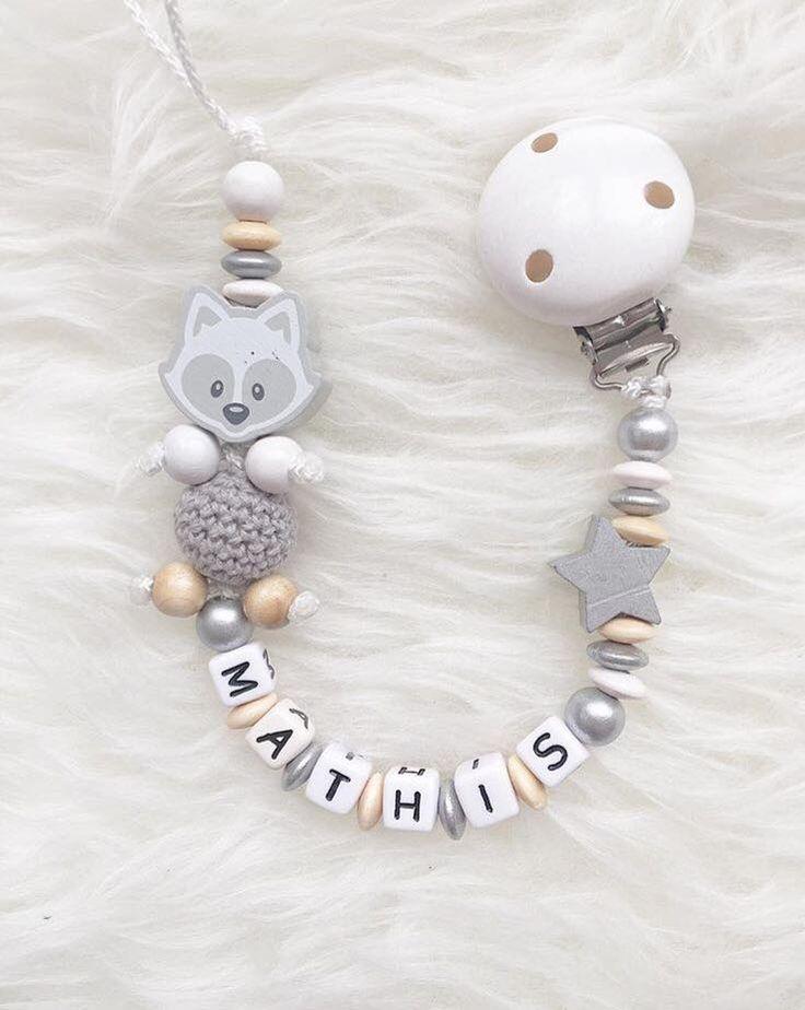 Attache tétine perles bois ~Modèle personnalisé pour Mathis ~ https://www.facebook.com/melanie.auxdelicesdescouches