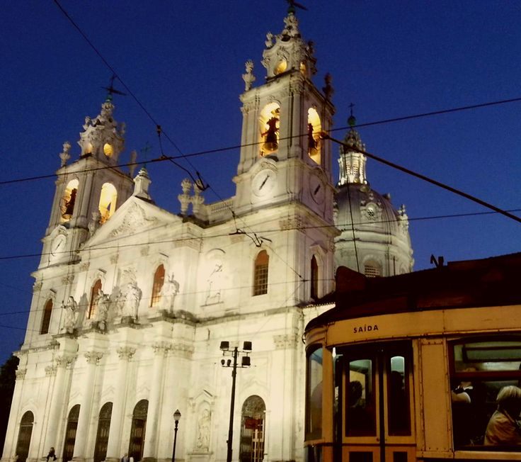 The 28 tram passing by Basilica da Estrela, a place to visit!