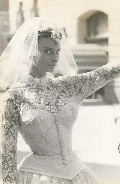 Sophia Loren in wedding gown, Houseboat (1958)