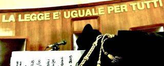 Casaforte Blog : Condannati due agenti per aver picchiato un traspo...