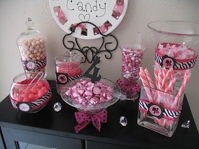 Sheek Shindigs: {Real Parties} A Barbie Birthday Party    http://sheekshindigs.blogspot.com/2011/04/real-parties-barbie-birthday-party.html