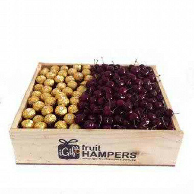 Cherries make the ideal gift because they are easy to eat and easy to share! Send the gift of Cherries and let them know how much you care - our #cherrie #nutrition #health #healthy #fruit #box #gifts #sympathy #birthday #anniversary #getwell #gifts #occasions #australia #sydney #melbourne #canberra #brisbane #freeshipping #igiftFRUITHAMPERS