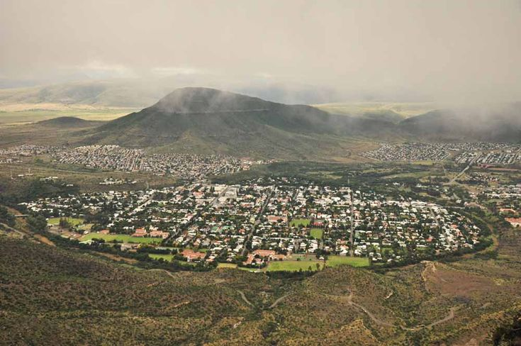 A bird's eye view of Graaff-Reinet. It's located in an oxbow-shaped river valley. http://eagerjourneys.com/graaff-reinet/
