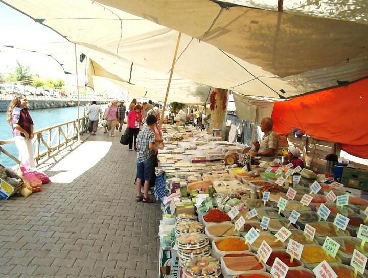 Fethiye market, lining the canal