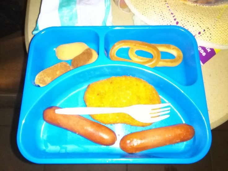 Erik decided to balance his #טבעול_שניצל with a  sausage and cookies. That's how a vegetarian is NOT born.
