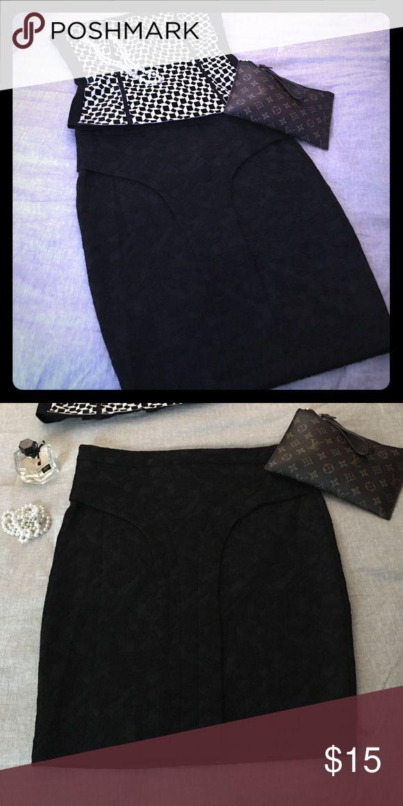 Kardashian Kollection Large Black Skirt Kardashian Kollection Large Black Skirt Kardashian Kollection Skirts Pencil