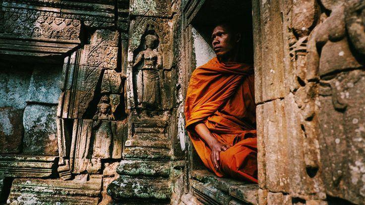 Monk at Preah Pithu