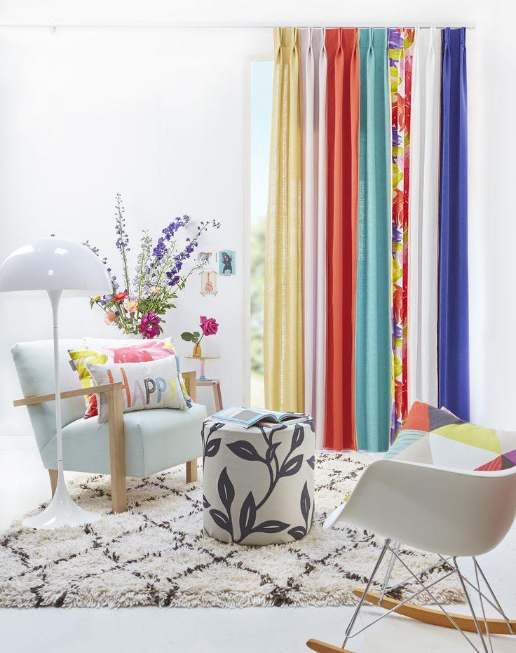 Kleur in huis | Combineer meerdere kleurrijke stoffen in één gordijn #kussens #curtains #cushions #Gardinen #Vorhänge