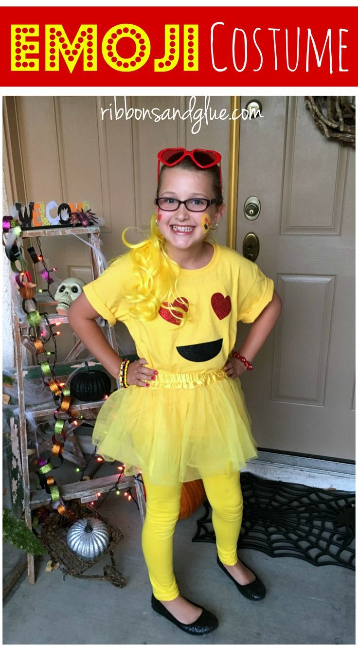 Easy Emoji Halloween Costume made with heat transfer vinyl and yellow accessories. Fun and easy Halloween costume to make for emoji lovers