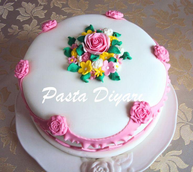 Pasta Diyarı: GÜLLÜ BAHAR PASTASI
