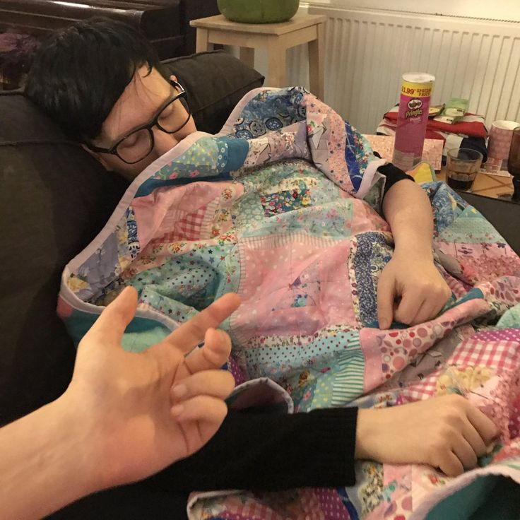 "Phil Lester on Twitter: ""#oscars party!! It's 1am in the UK and I am determined to stay awake this time *staples eyelids open*"""