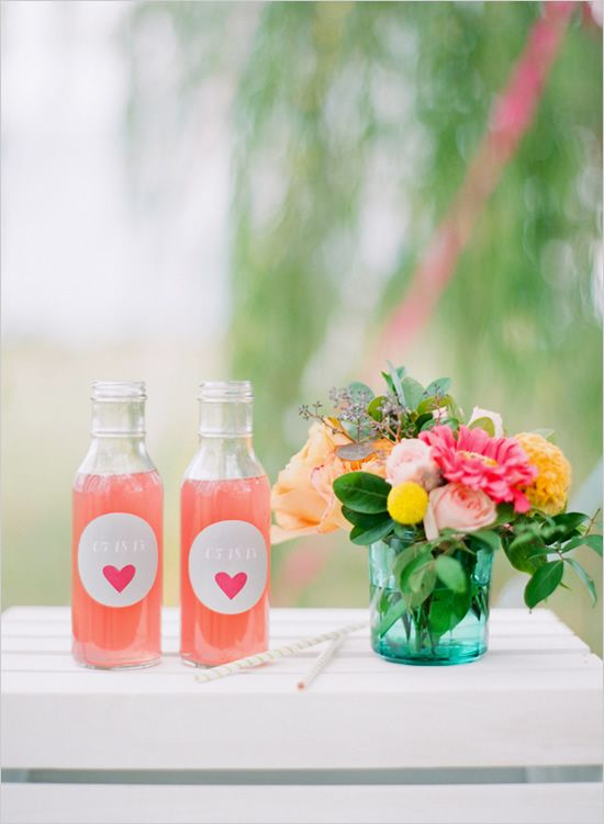 I love these drink labels! The floral design also includes some of my favorite flowers and colors. by fetestudio.com
