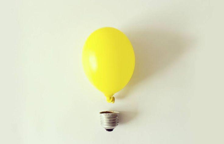 El 20% del total de la energía —el 25% de la electricidad— que se utiliza en España se queda en nuestras casas. Saber por dónde se nos va el gasto es el primer paso para poder ahorrar. Y más en días como ayer, cuando el precio de la electricidad experimentó un pico repentino que puso el kilovatio por hora en 0,18 euros a partir de las 19 horas —momento en que encendemos las luces y ponemos lavadoras—, cuando la media del año se situaba en los 0,11 euros el kilovatio por hora.