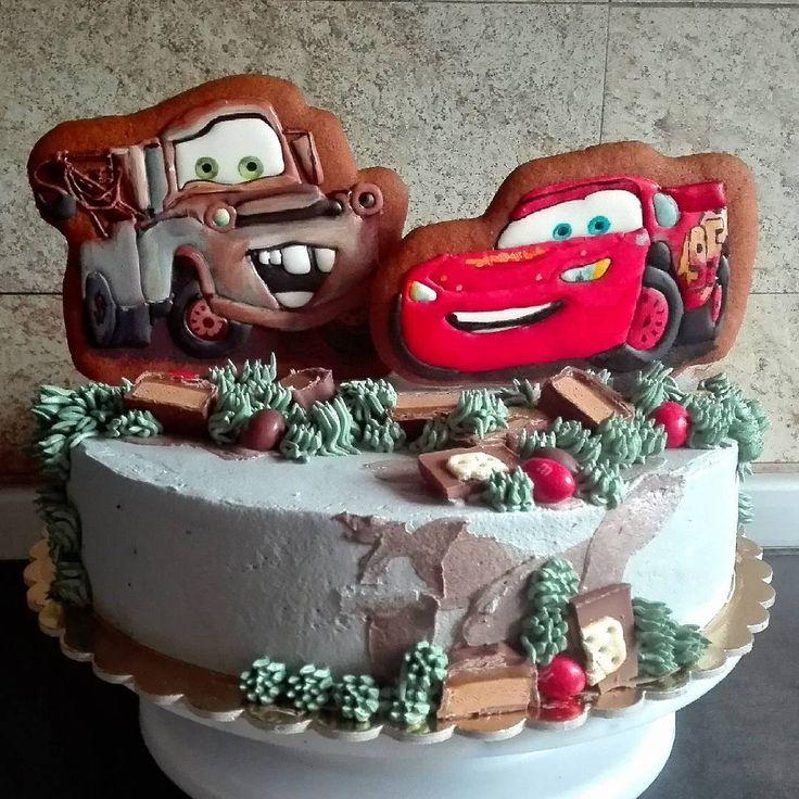 #торт #пряники #тачки #топпернаторт #кремовыйторт #тортбезмастики #машинки #декоративноепечение #айсинг #cookieart #cookies #cookie #biscottiartistici #biscottidecorati #compleanno #bomboniere #speciale #macchina #cars #cartoneanimato #eroe #icing  #torta #cake #artcake