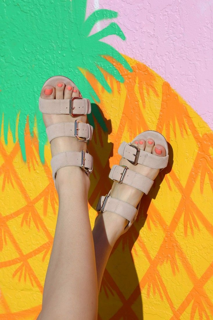 Fun in the sun in my Sole Society sandals (this pineapple art doesn't hurt either).