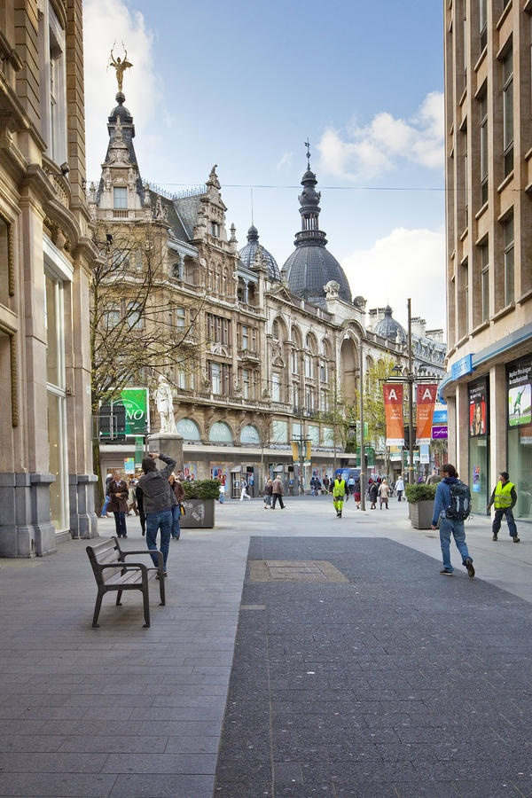 Discover Antwerp with Citypath, the ultimate digital city platform for tourists & locals! Go to: antwerp.citypath.eu