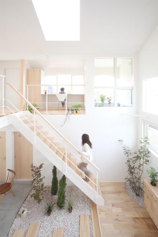 ATELIER RUE VERTE le blog: Au Japon : des plantes en liberté dans la maison