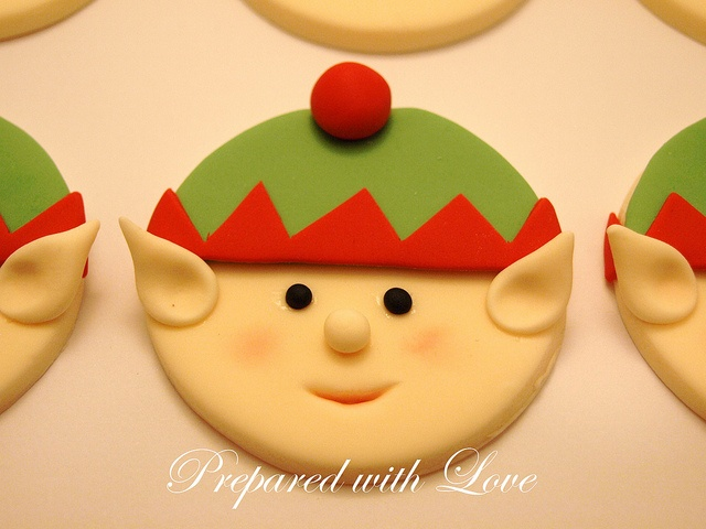 Flat Christmas Elves Faces Toppers Close Up   Perfect for both Cupcakes and Larger Cakes available from www.preparedwithlove.co.uk £7.00