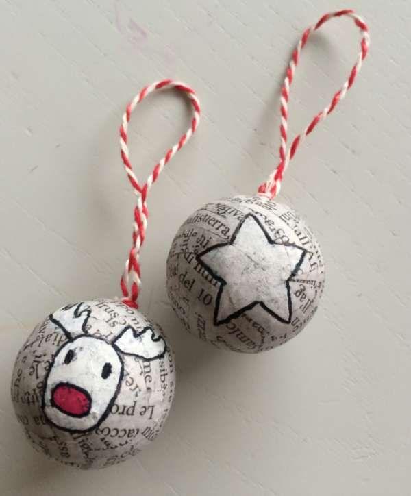 Boules de Noël avec du papier journal et des boules de polystyrène - 16 Idées à tomber pour réutiliser les vieux journaux