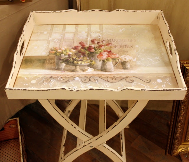 """""""favorite home to visit"""" beautiful table"""