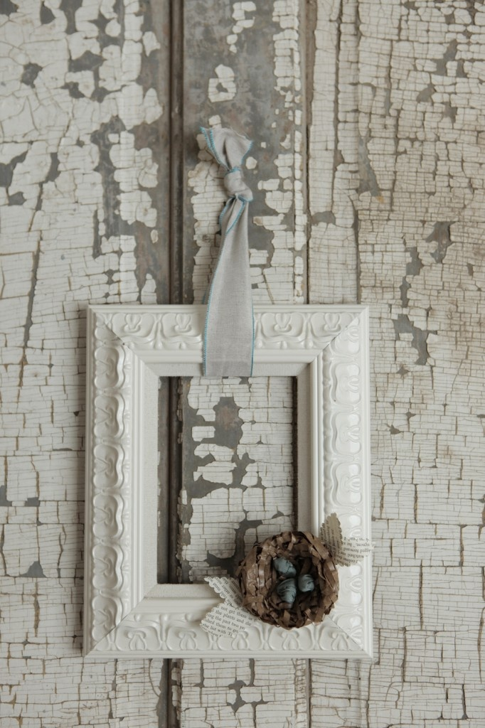 13 best images about empty frames on pinterest home for What to do with empty picture frames