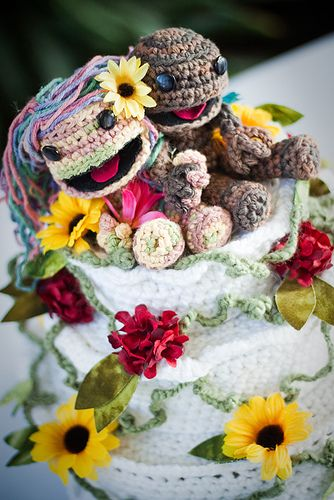 Awesome Sackboy wedding cake toppers!