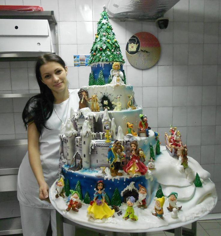 Amazing Disney cake @Cheri Edwards Boele graduation cake?