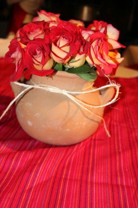 Fiesta Mexicana Centro de mesa -mecate -olla de barro -24 rosas