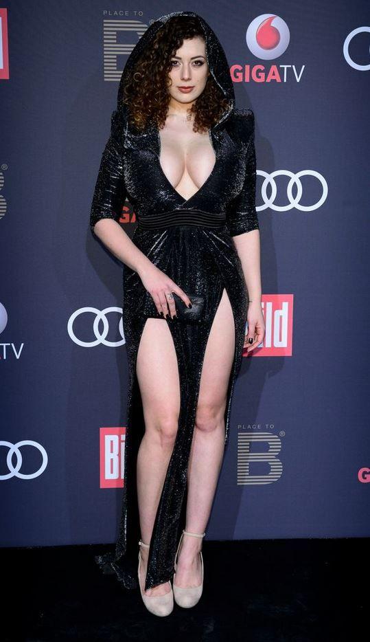 leila lowfire  Leb in 2019  Formal dresses Fashion Dresses