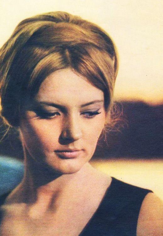 Актриса из рекламы тинькофф блэк фото ваше изображение