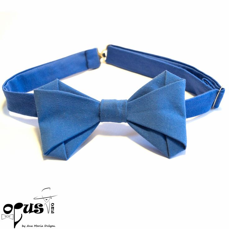 Papion Pre-Tied albastru, Material: bumbac natural; Dimensiune: 12 X 7 cm; chiz?tori metalice; Reglabil