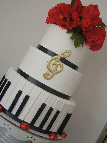 Piano cake music