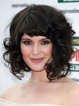 .: Curly Hairstyles, Celebrity Hairstyles, Gemma Arterton, Bobs Hair Style, Medium Hair, Shorts, Curly Bob, Bangs, Wigs