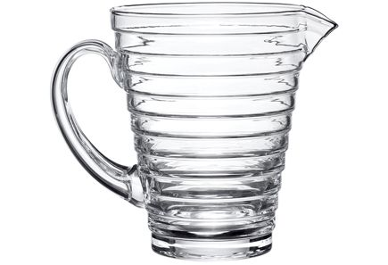 Aino Aallon radikaali lasisarja on muotoilun historian merkkitapaus ja elävä todiste olennaisen muotoilun pysyvyydestä. Suosittu Aino Aalto -sarja on ollut tuotannossa lanseerausvuodesta 1932 lähtien ja kuuluu edelleen keskeisiin Iittala-sarjoihin.<br />Kaadin kylmien ja viileiden juomien tarjoiluun. Ei sovellu kuumille juomille tai kiehuvalle vedelle eikä käytettäväksi mikroaaltouunissa.