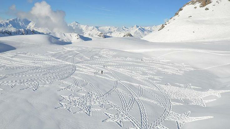 Artist Simon Beck's snow art created by his feet is pictured on the Lac Marlou near Les Arcs 2000 ski resort in Savoie, France, during the winter season. (Simon Beck)