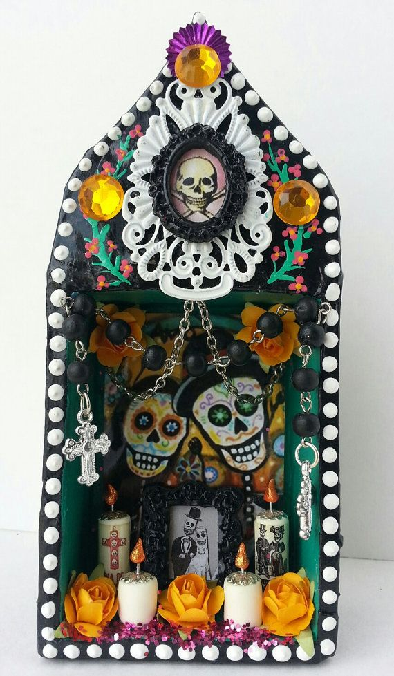 Día de Muertos http://www.etsy.com/listing/165491028/day-of-the-dead-couple-miniature-altar