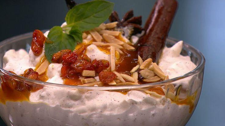 Havtornsauce til risalamande er en lækker dansk opskrift af Kim Gravenhorst fra Go' morgen Danmark, se flere dessert og kage på mad.tv2.dk