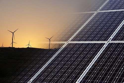 Actualmente el mundo sigue dependiendo de el carbón el petroleo y el gas. Combustibles fósiles no renovables es decir se basan en recursos limitados que finalmente se terminaran. Ademas en muchas ocasiones este tipo de combustible causa contaminación y daños en el medio ambiente. Por otra parte los diferentes tipos de energias renovables como la energía eólica y solar son inagotables y no causan daño el medio ambiente.  Las energías renovables en su mayoría vienen directa o indirectamente…