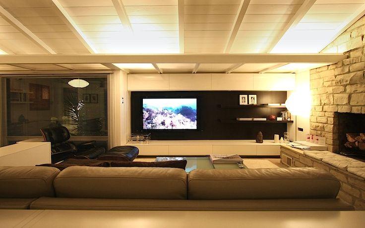 Super sleek modern tv setup i believe this setup is for Living room tv setup