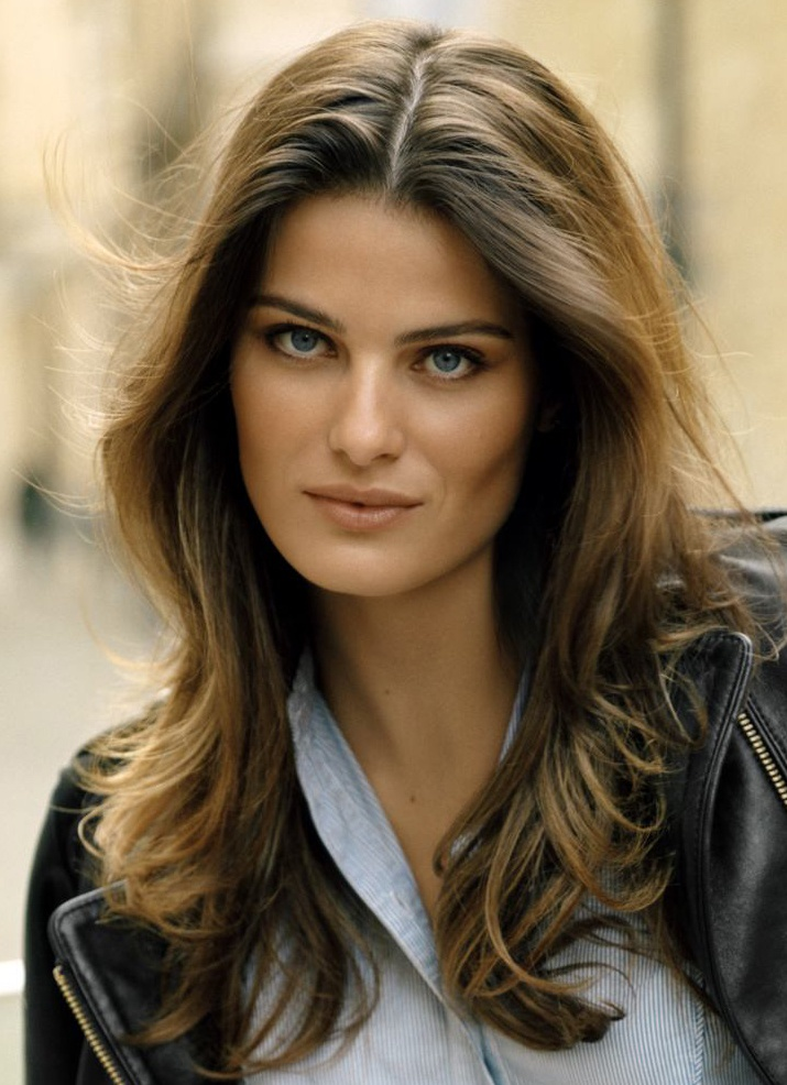 Photo of the beautiful happy  Isabeli Fontana from Curitiba, Paraná, Brazil without makeup